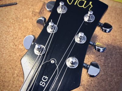 JTAR custom shop sg gitarre satin schwarz korpus